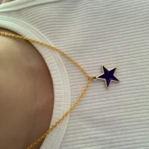 Nu säljer jag detta halsband!! Frakt tillkommer på 12kr!!❤️❤️