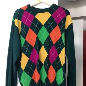 Superfin tröja från Benetton som tyvärr inte kommer till användning. 80% ull 20% polyamid.