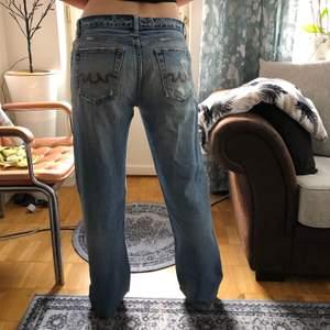 Coola lågmidjade Jeans, lågmidjade och långa😜