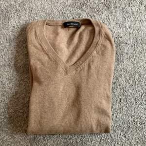 brun/beige tröja i väldigt bra skick 🤎