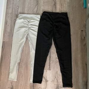 Säljer dessa populära tights då de inte passade mig (passar stl S) , ett par för 125 kr eller båda för 200. Frakt tillkommer❤️