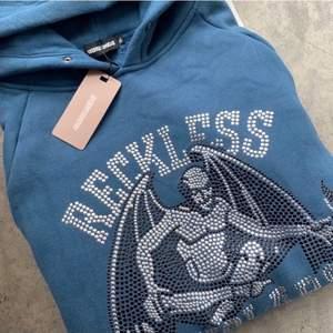 Reckless scholars hoodie M säljer men byter också gärna mot en L. Condition: 10/10