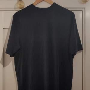 Black Story t-shirt aldrig använd. Kunden står för frakten