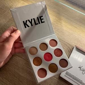 Oanvända palett från Kylie cosmetic💕