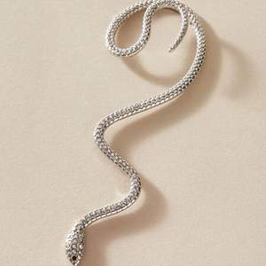 Öronsmycke, som en orm ✨✨