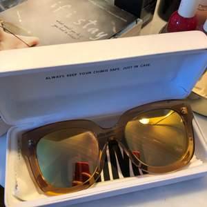 Chimi solglasögon, knappt använda så i helt nyskick. 008 peach 💙