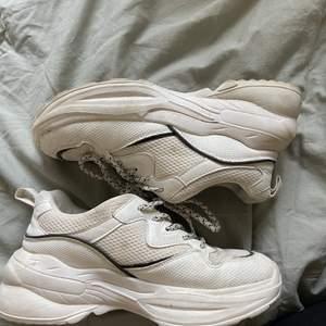 Skitsnygga chunky sneackers som tyvärr inte kommer till användning längre! Frakt tillkommer!