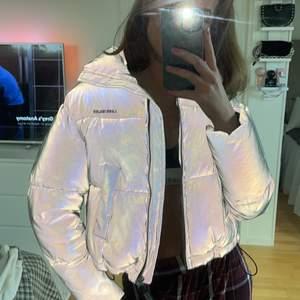 As cool reflex puffer jacket i storlek xs men passar xs-s