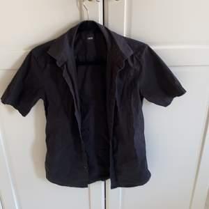 Svart skjorta Från Asos