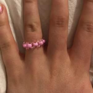 annan ring ganska liten