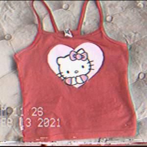 Jag säljer detta super söta hello Kitty linne, sitter mycket bra med stretch matrial, orginal pris 50kr med budning funkar också✨🥂🥖🥐🇫🇷🧺☁️