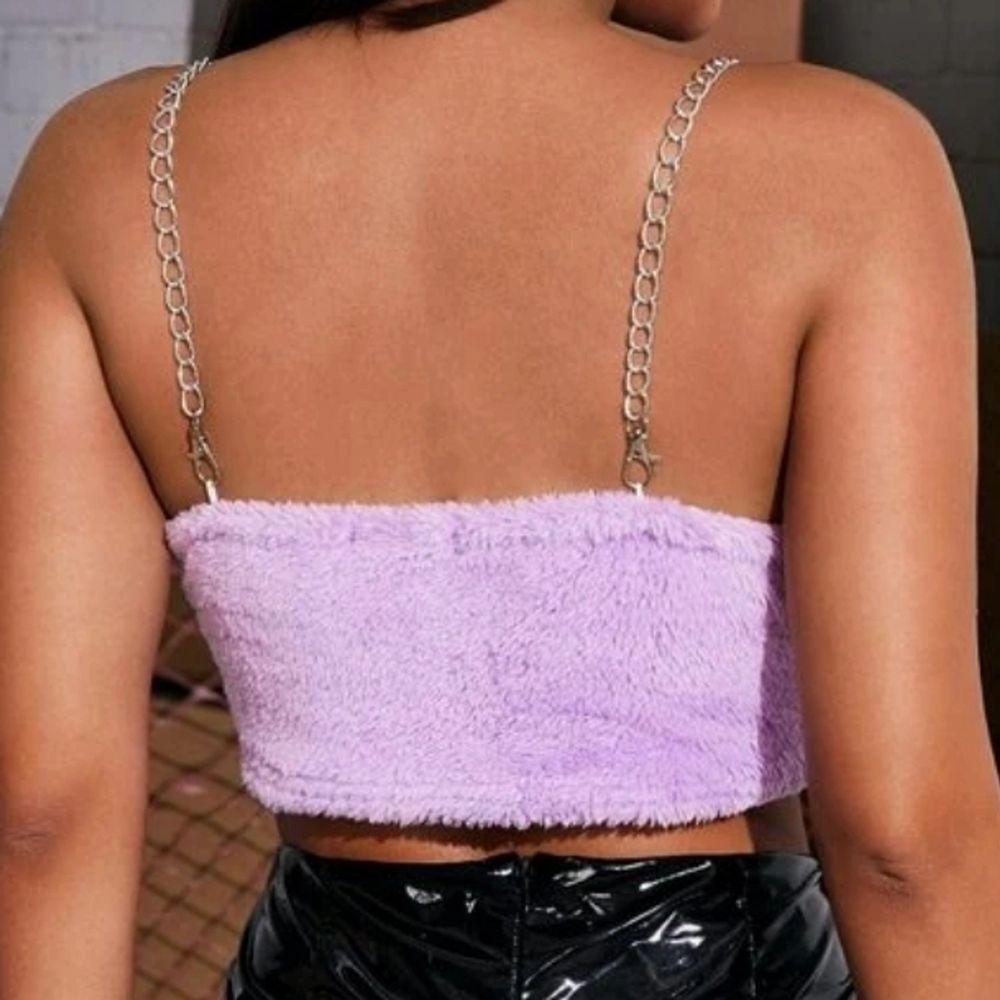 Ett as coolt och mysigt linne!! Helt nytt och aldrig använt då jag råka köpa i för liten storlek! Köparen står för frakten💗. Toppar.