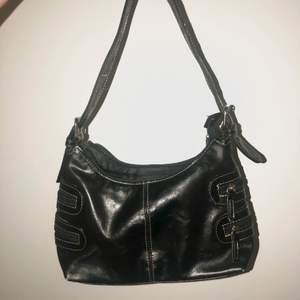 söt handbag med fina dragkedjedetaljer💋