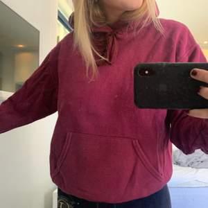 Så najs stor vinröd hoodie 🤍 frakt tillkommer