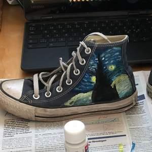 gör custom för 150kr, men köparen behöver antingen köpa skor att customize eller ha egna redan, jag står ej för skokostnad eller fraktkostnad