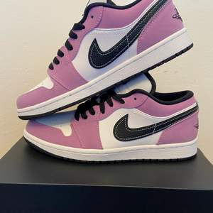 Jordan 1 Low Violet Shock Deadstock  8US / 41 Eu  Bid - 1349 Bin - 1800   Dm for more information!  I also have Yeezy Foam Runner Sand 10US / 44EU and Nike Dunk Low Black White 3.5US / 35.5EU