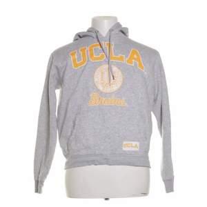 Säjer min UCLA hoodie som jag köpt här på plick. Säljer för att den inte kommer till användning!