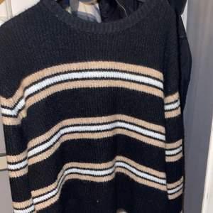 Stickad tröja från H&M,endast testad