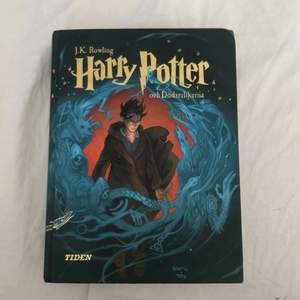 Harry Potter & Dödsrelikerna av J.K. Rowling. På svenska. Mkt fint skick