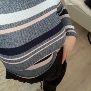 Snygg randig tröja från H&M