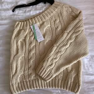 Stickat tröja oanvänd bara testat i storlek L mitt pris 250kr
