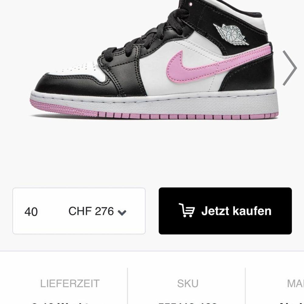 Söker dessa skor i storlek 37 eller 37,5. Skor.