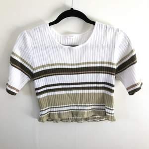 Blockad tröja från 80s. Köpare står för frakt :)