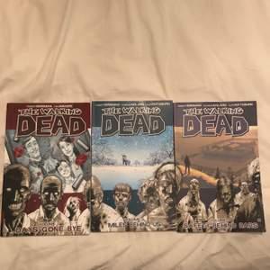 Comic books/serietidningar från serien The Walking Dead! Det är dessa som tv-serien baseras på. Fint skick! Kostade 150-200 kr vid nypris. Det är nr 1-3 i serien. 100 kr st eller 225 kr för alla 3