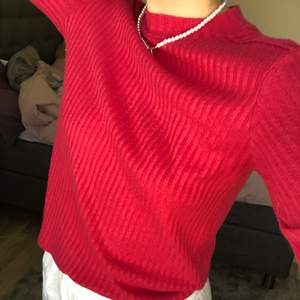 Rosa ribbad tröja från Zara💕Passar perfekt till neon fest!! Storlek S