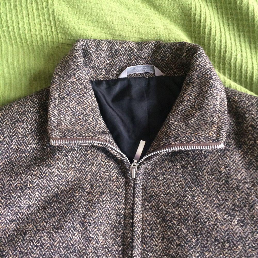 Fin tweedjacka, knappt använd i storlek M. Jackor.
