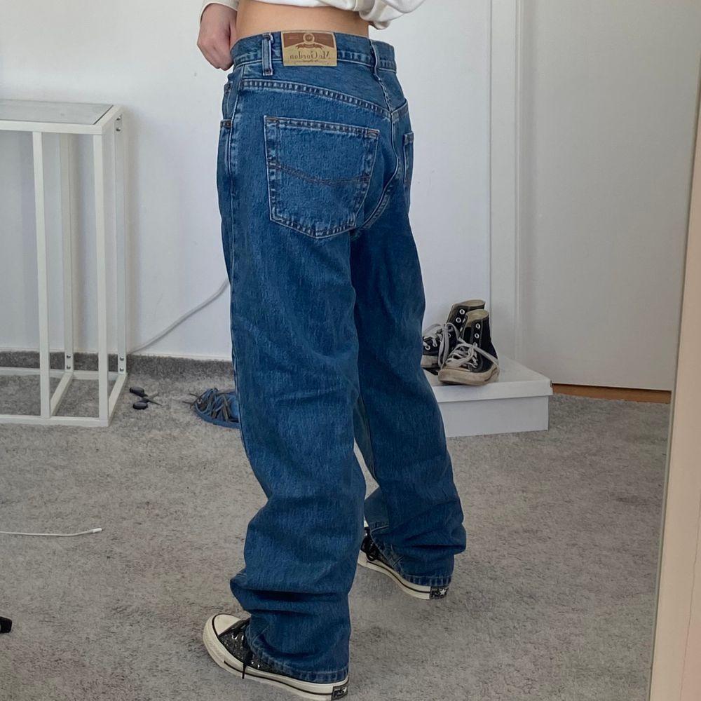 Baggy jeans! Skit snygga men för stora på mig som vanligtvis är en 25/26. Är 160cm💕. Jeans & Byxor.