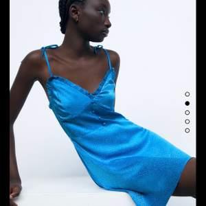 Sååå fin aldrig använd med prislapp i skitsnygg blå färg ! Säljer pga går ej att returnera längre... Slutsåld på hemsidan!