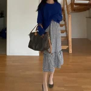 Skitnsygg gingham/rutig klänning ifrån hm och aldrig använd, endast testad. Sjukt fin för sommaren. Fraktar spårbart 66kr❤️ storlek xs men passar s