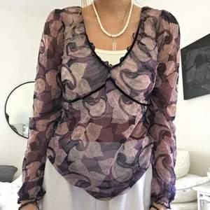 Världens finaste tröja men kommer tyvärr inte till användning! Köpt secondhand men i dunder skick