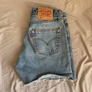 Vintage Levis shorts 🧡