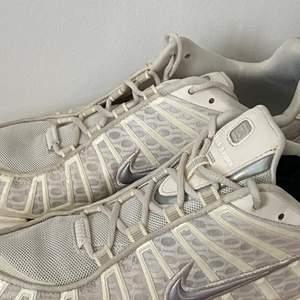 Nike shoxs worn a few times.