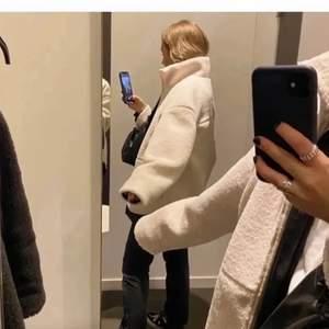 intressekoll på denna jacka från hm, passar xs-m beroende på hur man vill att den ska sitta. (lånad bild)💕