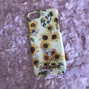 Skal till iPhone 8/7/6/6s modell sunflower lemonade.   Sparsamt använt och inga skador. Köparen står för frakt💕