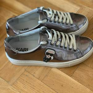 Karl Lagerfeld skor st 37, använda ett fåtal gånger och är i bra skick!