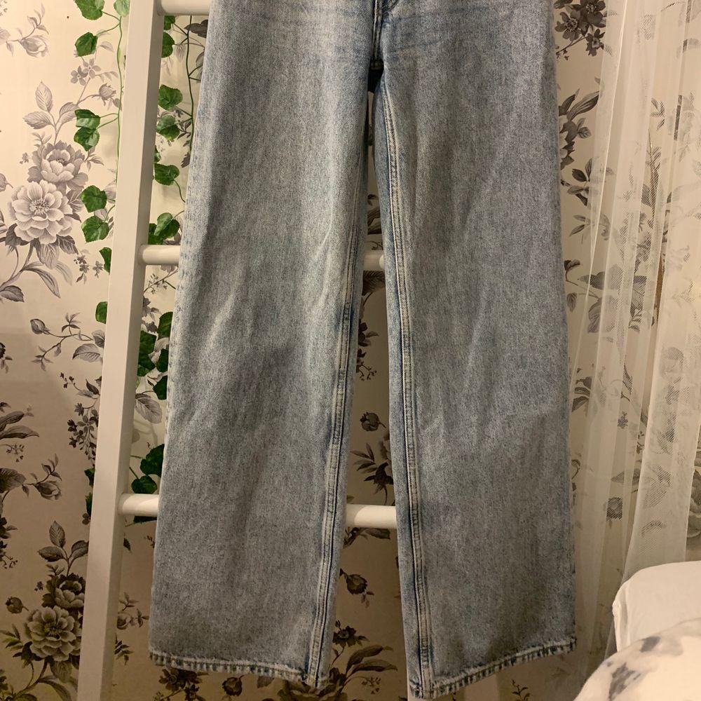 Monki jeans kan inte storleken men dom passar S iaf. . Jeans & Byxor.