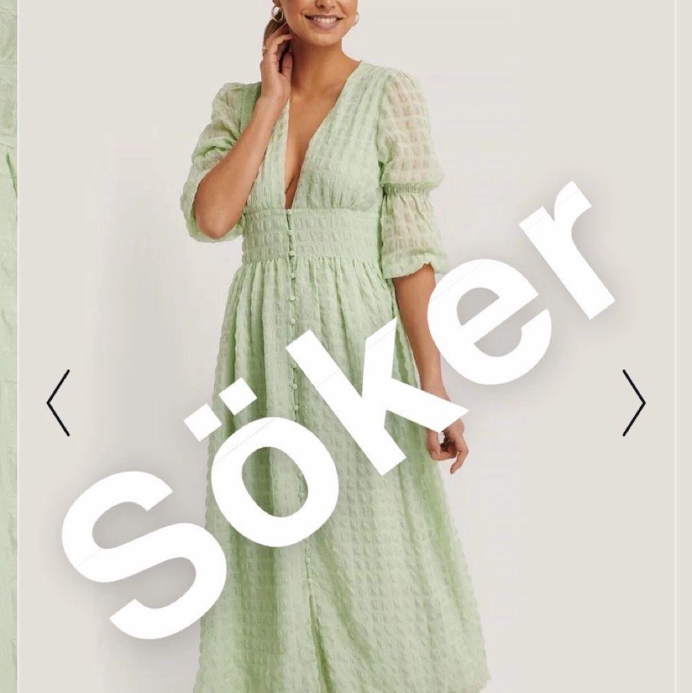Söker denna superfina klänningen från NAKD i storlek 36🥺. Klänningar.