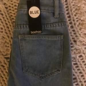 Jeans från boohoo stl 34