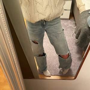 Håliga jeans från Bershka