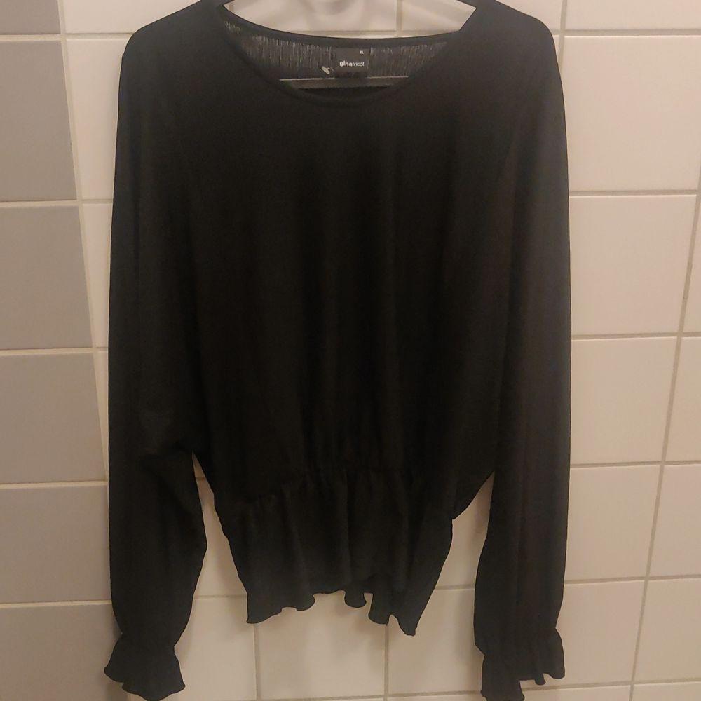 Peplum top black XL, never used.. Skjortor.