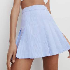 Helt ny Zara kjol som jag bara inte hunnit lämna tillbaka. Alla lappar kvar och köpte den för 299😊