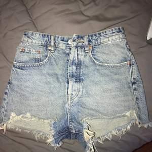 Jättefina shorts från Zara, säljer pga passar inte mig längre!