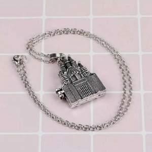 HP halsband. 50 cm omkrets. 70 kronor plus frakt. Nickelfri