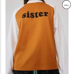 Säljer min tröja från brother sister kollektionen av acne. Aldrig använd, bara provat därav är lappen inte kvar. Skickar gärna, men köparen står för frakten. Något stor i storlek.