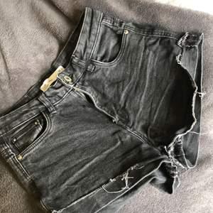 Svarta jeansshorts från Zara, bra skick