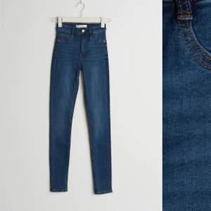 Molly jeans från gina tricot storlek S 💙 ord pris 300kr mitt pris endast 90kr 💙